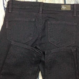 PAIGE Jeans - PAIGE Peg Skinny Animal Print Jeans Size 25